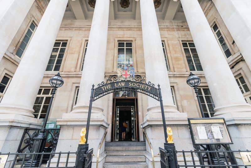 Londres/R-U, le 6 août 2019 - la société de loi est l'association professionnelle qui représente et régit des avocats-conseils images stock