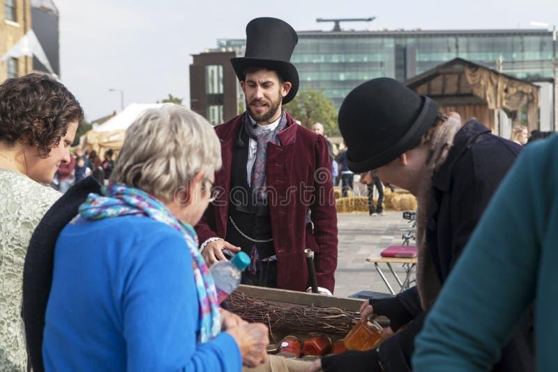 LONDRES, R-U - 29 septembre 2013 : Cross Carnival - l'Ope du Roi photos stock