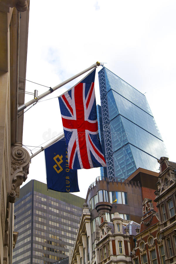 LONDRES, REINO UNIDO - 24 DE ABRIL DE 2014: Cidade de Londres uma dos centros principais da finança global, matrizes para bancos  foto de stock