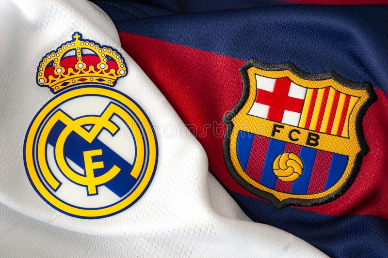 Londres, Reino Unido - 20 de fevereiro de 2019: Editorial ilustrativo do logotipo da equipe do clube Barcelona do Real Madrid e d foto de stock royalty free