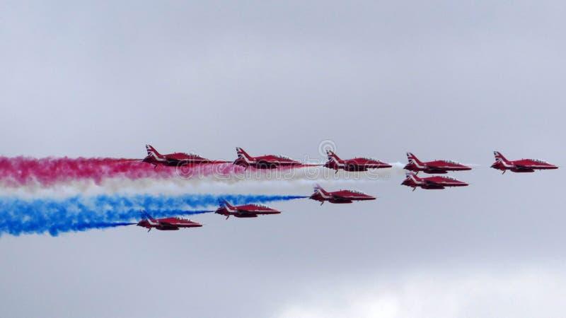 Londres, Reino Unido - 10 de julio de 2018: la Royal Air Force celebra sus 100 años de aniversario con un desfile de aviones sobr imagen de archivo libre de regalías