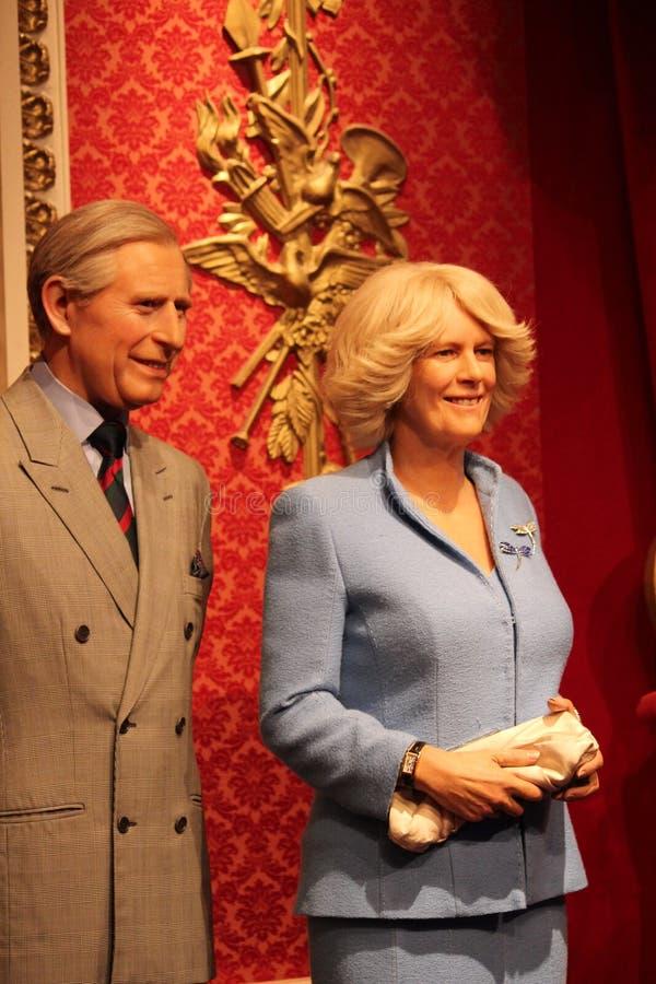 Londres, Reino Unido - 20 de marzo de 2017: Figura de cera de príncipe Charles y de Camila en señora Tussauds London imagenes de archivo