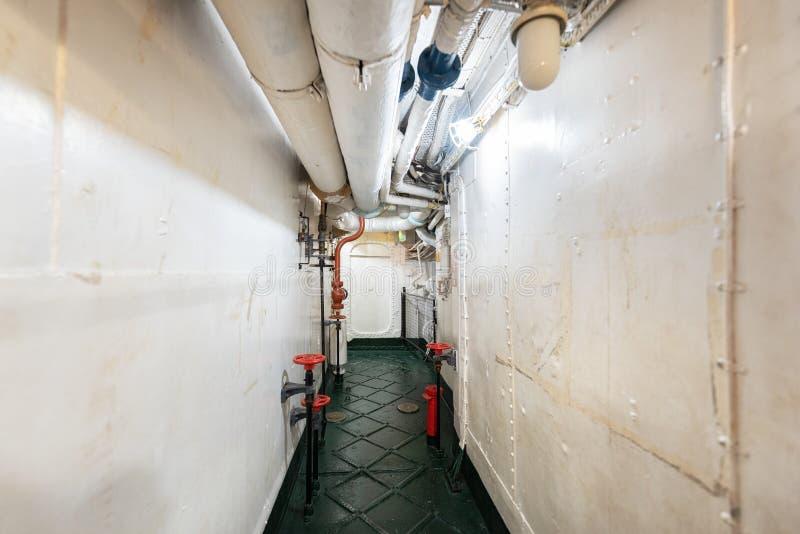 Londres, Reino Unido - 13 de mayo de 2019: El interior del museo del buque de guerra del HMS Belfast, consideró la acción durante foto de archivo libre de regalías