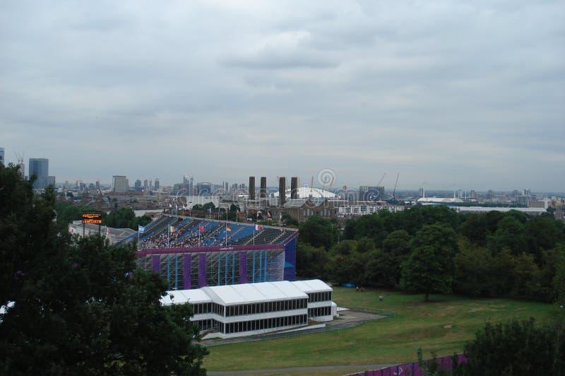 Londres, Reino Unido - 4 de septiembre de 2012: Vista panorámica de la península de Greenwich en Londres suroriental fotos de archivo libres de regalías
