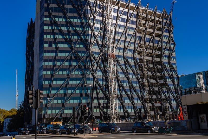 Londres, Reino Unido - 21, octubre de 2018: Arquitectura moderna en Londres fotografía de archivo