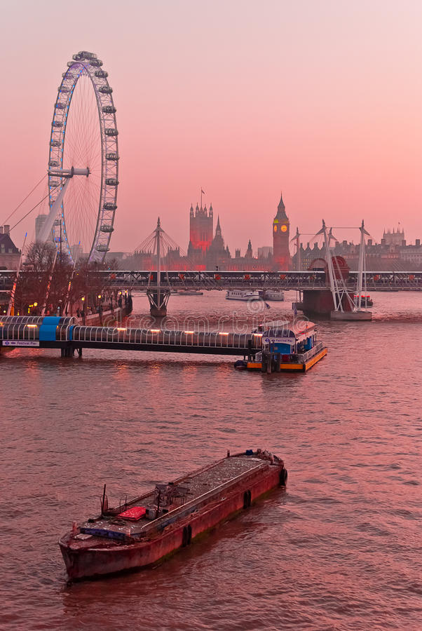Londres, Tamisa e Westminster imagens de stock royalty free