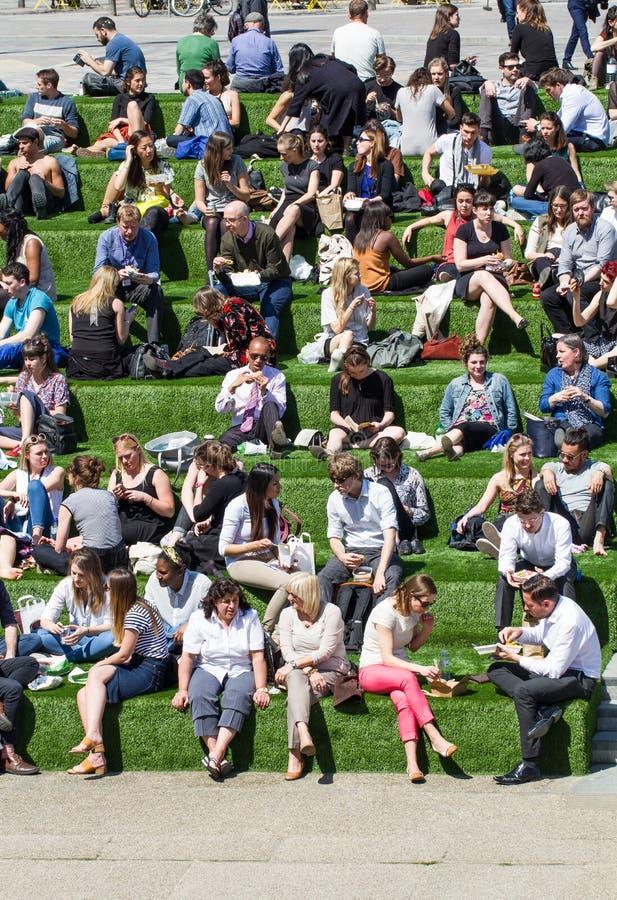Londyńscy przerwa na lunch tłumy fotografia royalty free