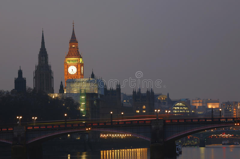 Londyńska linia horyzontu, noc obrazy royalty free