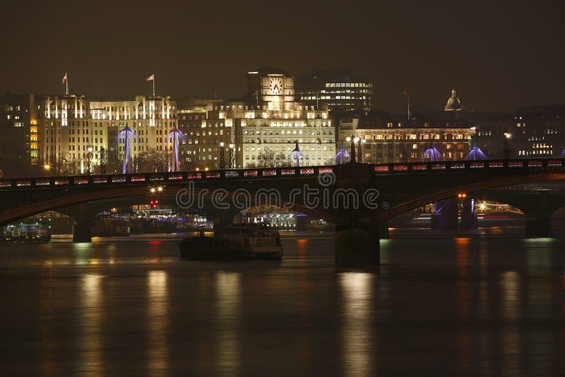 Londyńska linia horyzontu, noc zdjęcia royalty free