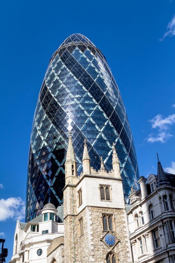 Londyńska linia horyzontu stara i nowa - fotografia royalty free