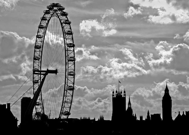 Londyńska linia horyzontu w czerni obrazy royalty free
