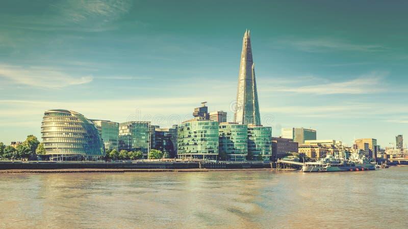 Londyńska miasto linia horyzontu Thames i rzeka, rocznika skutek fotografia royalty free