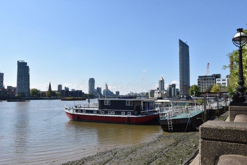 Londyńska panorama na rzece - UK fotografia stock