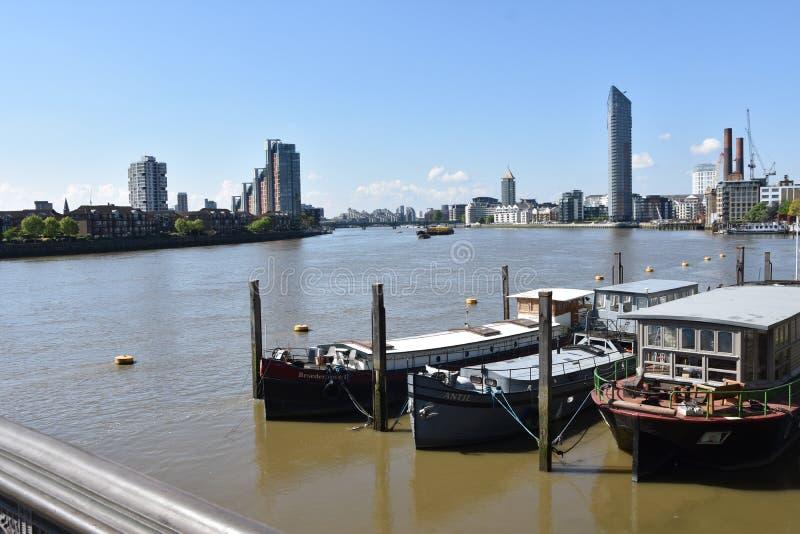 Londyńska panorama na rzece - UK zdjęcia stock