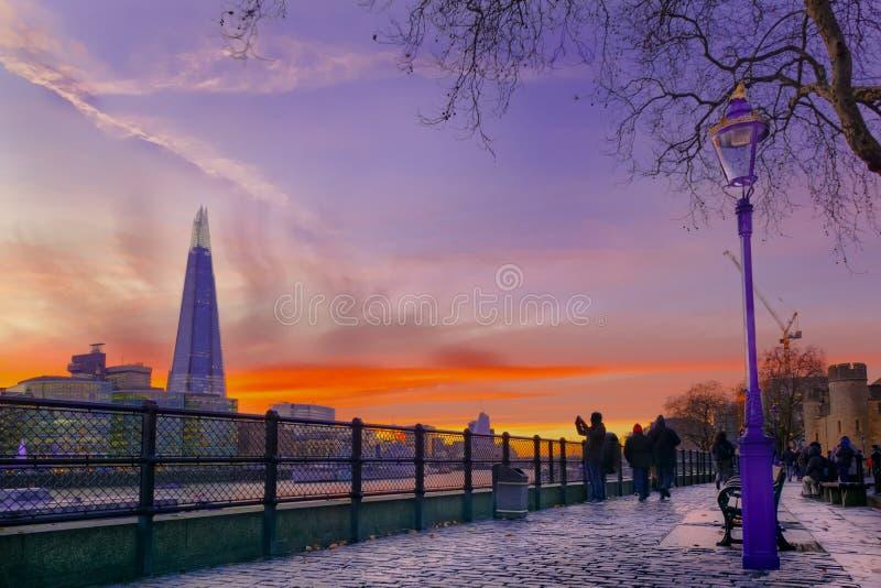 Londyński czerep przy zmierzchem zdjęcie royalty free