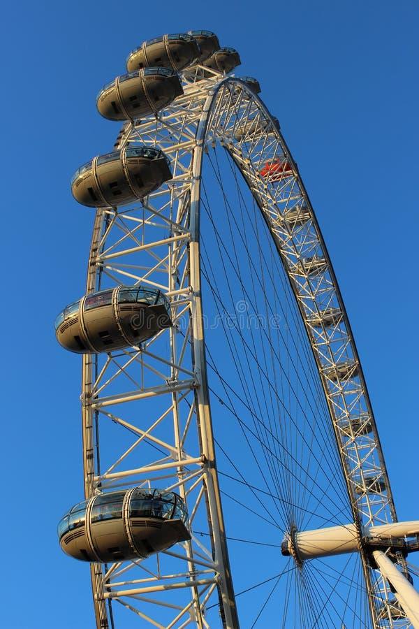 Londyński oko - Ferris koło Rzecznym Thames Londyn fotografia royalty free