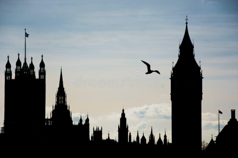 Londyński skyline z ptakiem zdjęcia stock
