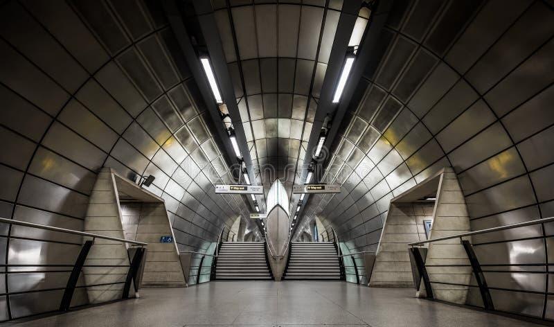 Londyński UK - Decemeber 28, 2018: Southwark Londyńska Podziemna stacja metra obrazy stock