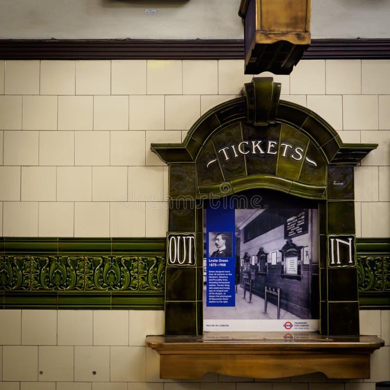 Londyńskiego Podziemnego rocznika biletowy budka Londyn, 2017 obrazy stock