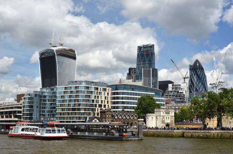Londyn przez Thames rzekę obraz royalty free