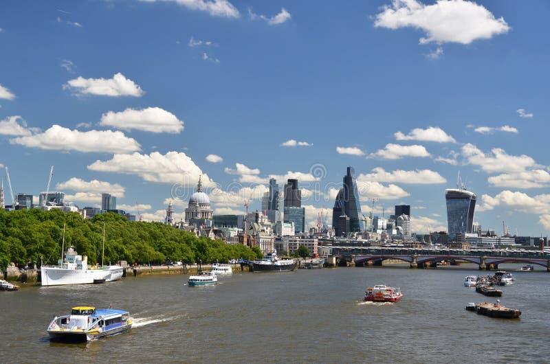 Londyn przez Thames rzekę fotografia royalty free