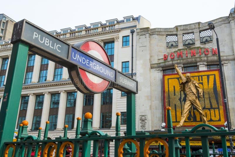 LONDYN, UK - KWIECIEŃ 07: Kołysamy Was muzykalnych w Tottenham Cou obraz stock