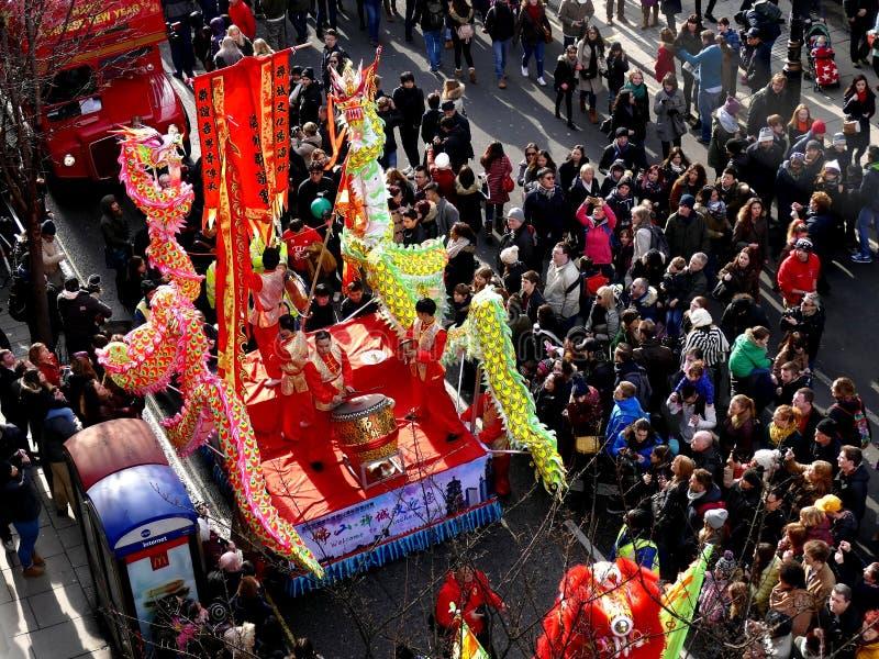 LONDYN, UK - 14 2016 LUTY: Chiński nowego roku bębenu występ obraz royalty free