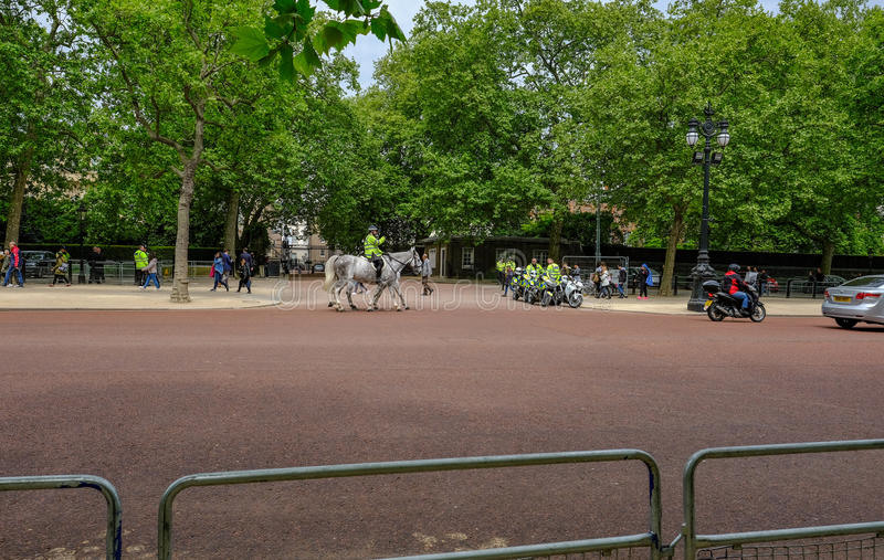 Londyn, UK - Maj 11, 2017: Metropolita policja na horseback i zdjęcia royalty free