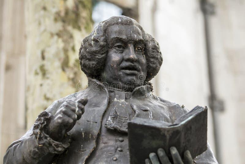 Londyn, UK, 17th 2019 Lipiec, statua Dr Samuel Johnson na pasemku obraz stock