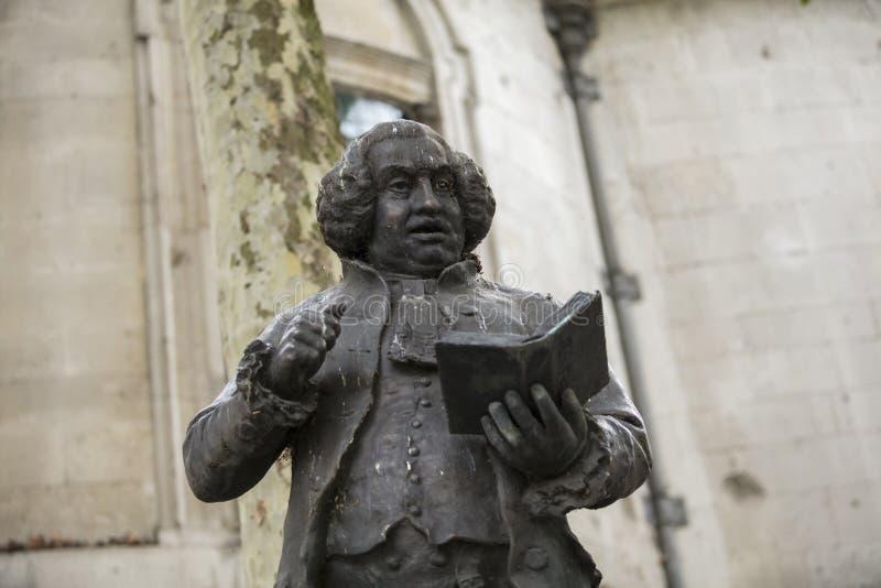 Londyn, UK, 17th 2019 Lipiec, statua Dr Samuel Johnson na pasemku zdjęcie stock