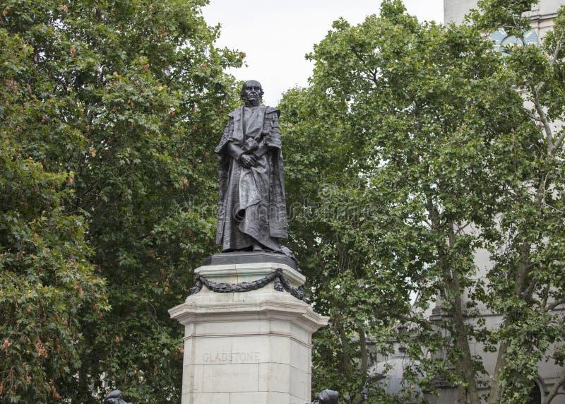 Londyn, UK, 17th 2019 Lipiec, statua Poprzedni premiera William gladstone obrazy royalty free