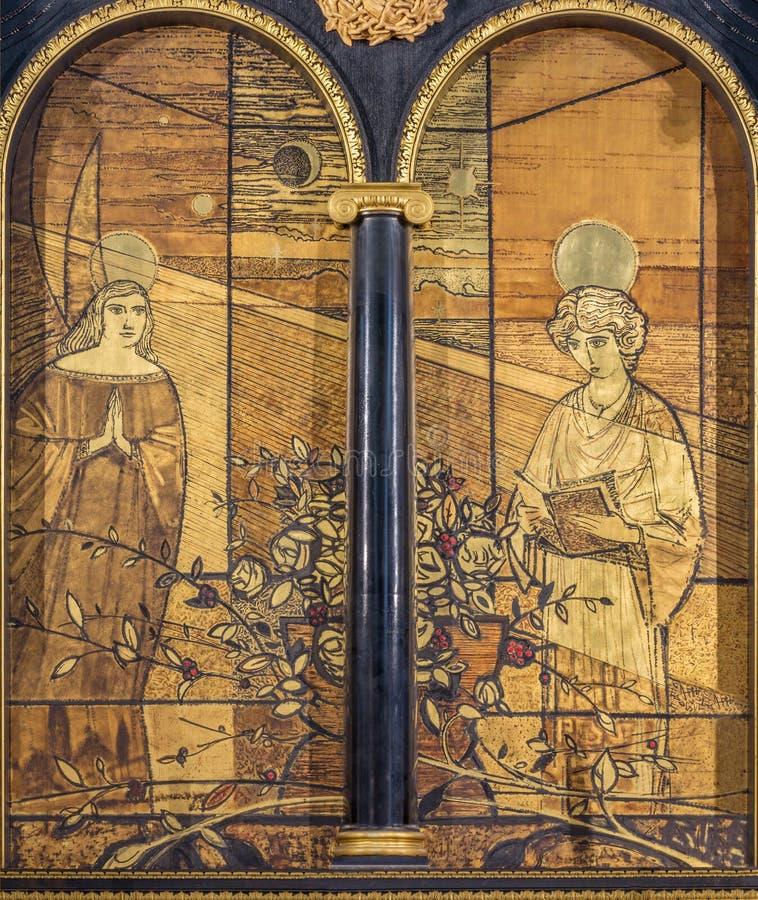 LONDYN WIELKI BRYTANIA, WRZESIEŃ, - 16, 2017: Annunciation obraz na drewnie na ołtarzu w kościół w St Łagodnych duńczykach obraz royalty free