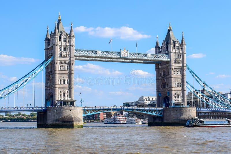 Londyn wierza most w lecie zdjęcie royalty free