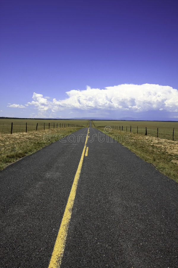 Free Lonesome Open Rural Highway Road Trip Royalty Free Stock Images - 5912619