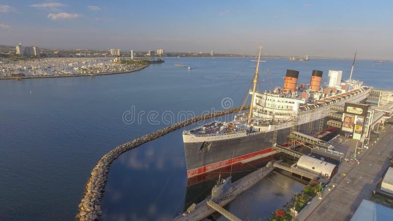 LONG BEACH, CA - JULIO DE 2017: Opinión aérea Queen Mary, un famoso imagen de archivo