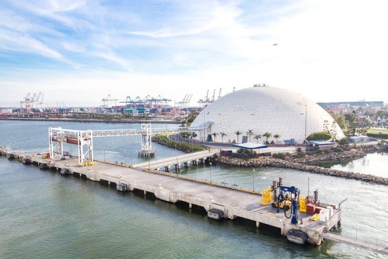 Long Beach, California, U.S.A. - 30 maggio 2015: Vista aerea della cupola terminale della nave da crociera in Long Beach, Califor fotografia stock