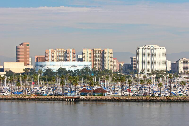 Long Beach city e skyline di porto, California fotografia stock libera da diritti