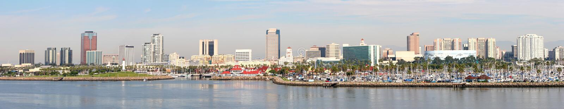 Long Beach city e skyline di porto, California fotografia stock