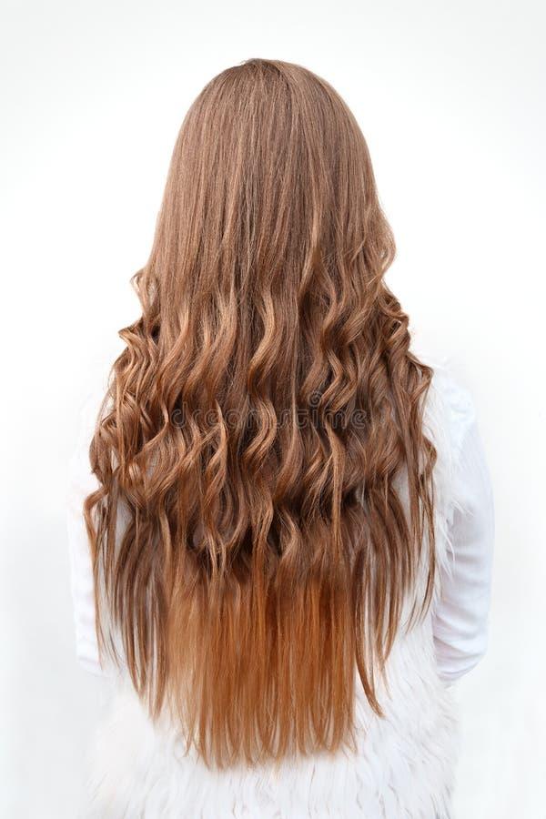Long bordage de boucles de cheveux de coiffures en gros plan images libres de droits