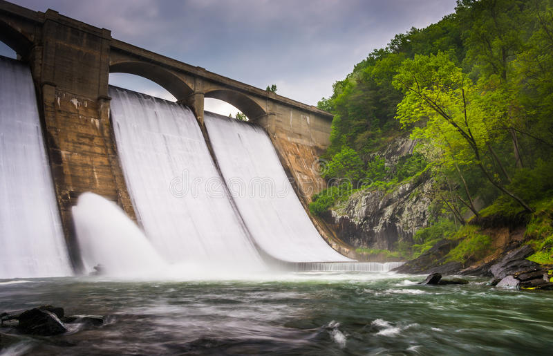 Long exposure of Prettyboy Dam and the Gunpowder River in Baltimore County, Maryland. stock photo