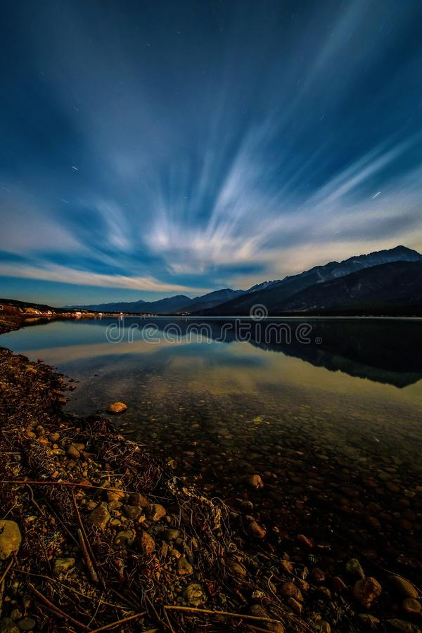 Long lac columbia d'exposition, Fairmont Hot Springs, la Colombie-Britannique, Canada image stock