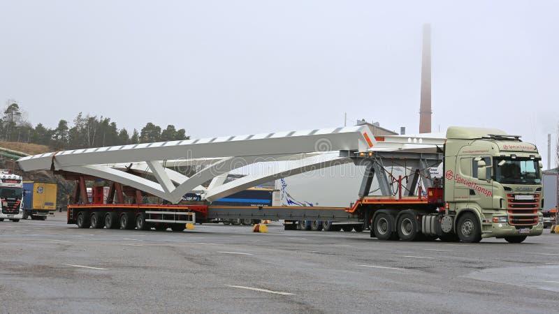 Long transport de Scania R620 image stock