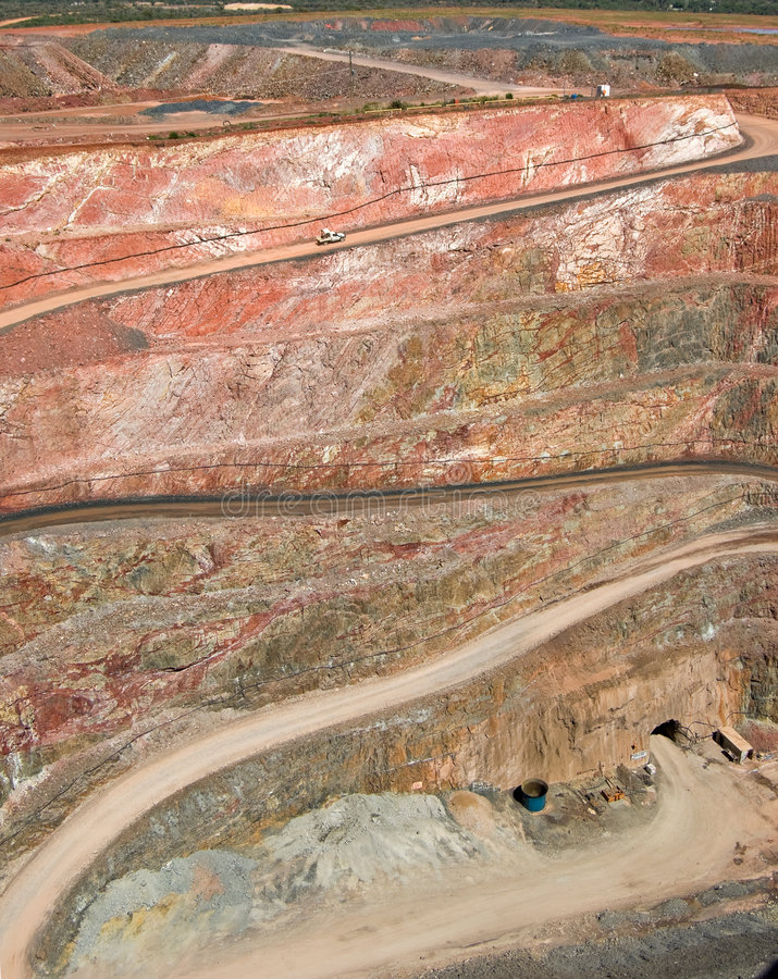 Free Long Way Up This Mine Royalty Free Stock Photography - 4377697