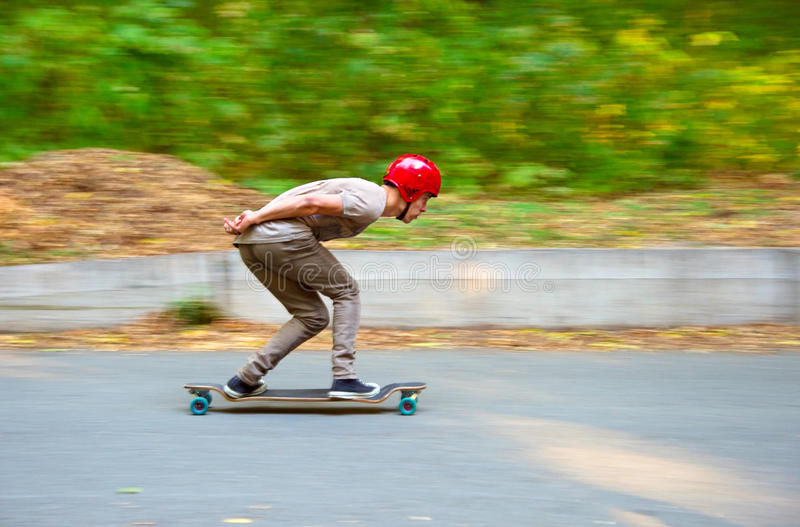 Longboard en descendant photographie stock