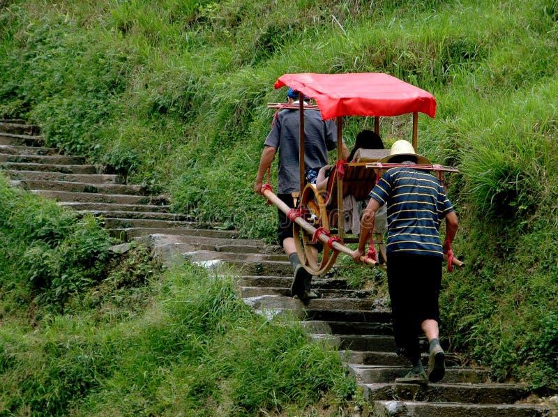Download Longsheng, China: Porteiros Que Carreg A Cadeira Do Sedan Imagem Editorial - Imagem de vôo, turista: 26511805