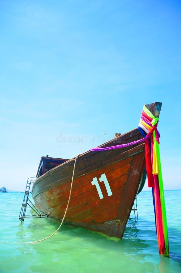 Download Longtail fartyg på Krabi arkivfoto. Bild av svan, long - 27282868