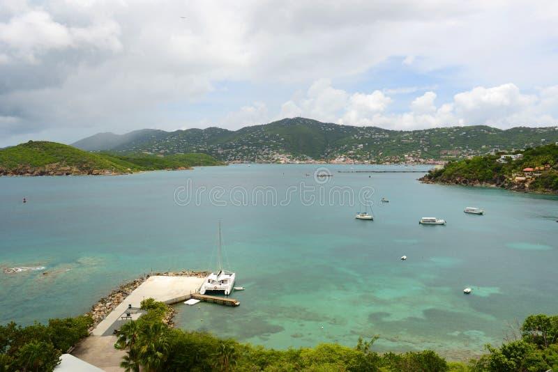 Longue baie à St Thomas Island, Îles Vierges américaines, Etats-Unis photo stock