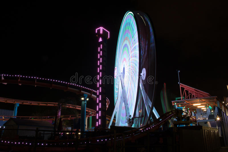 Longue exposition Ferris Wheel At Night photographie stock libre de droits