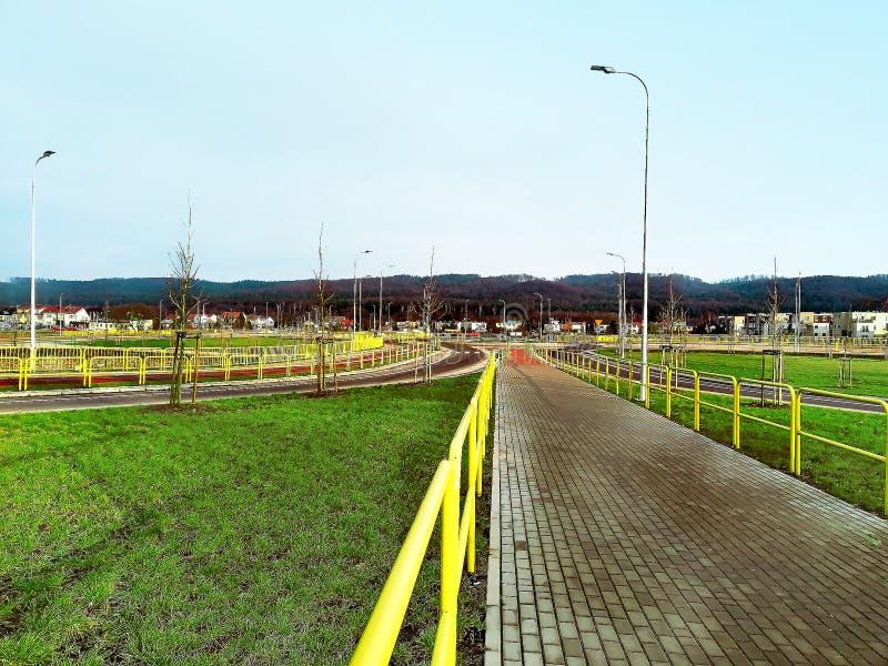 Longue route en Pologne, premier ressort photos libres de droits