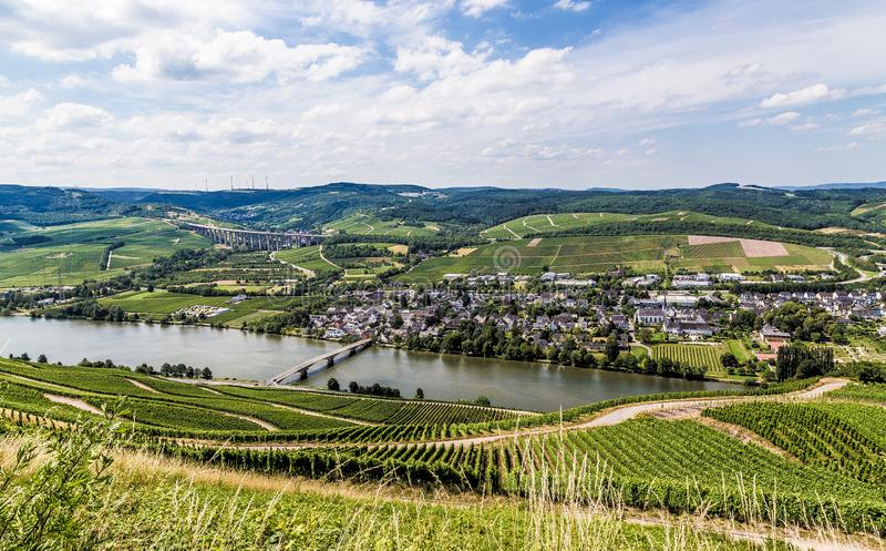 Longuich auf der Mosel Rheinland-Pfalz Deutschland stockbild